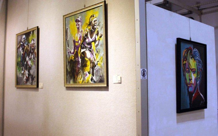 黃俊麟的輕油畫展現動態與速度感。 圖/林敬家 攝影