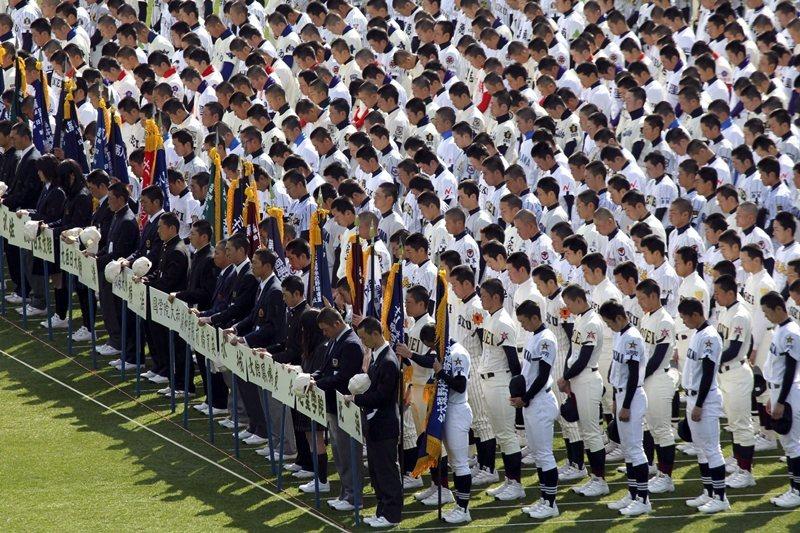 今年的夏季甲子園正式停辦,消息傳到各地,莫不讓日本高中球兒感到心碎,圖攝於2011年。 圖/美聯社