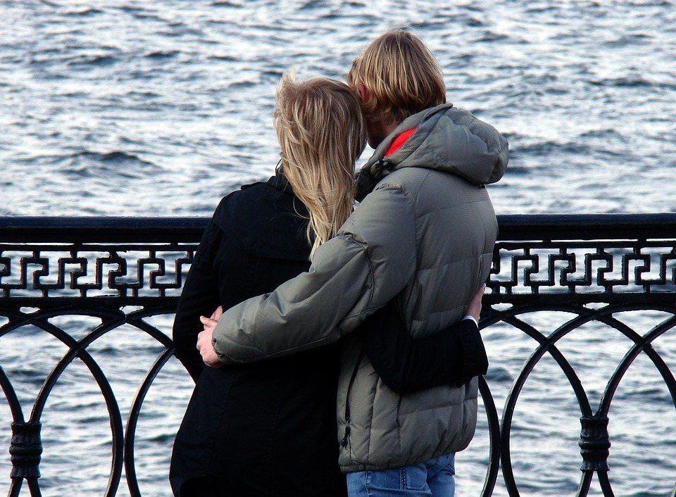 要想攜手玩浪漫,各種前提條件很重要,要輕鬆,要舒適,要不累,還要處處順心,無牽無...