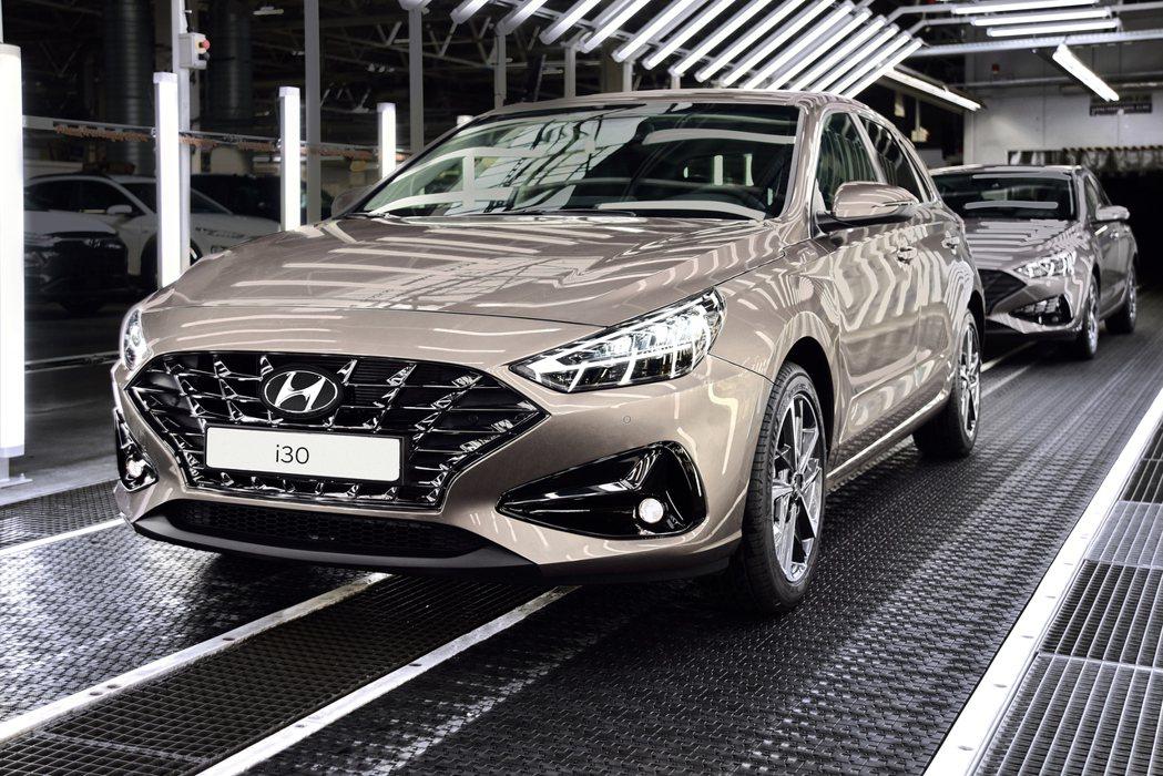 小改款Hyundai i30全車系將於5月25日正式在捷克廠進行生產作業。 摘自...