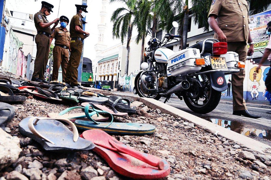 斯里蘭卡的最大城市——可倫坡(Colombo)——21日發生為了搶領240塊台幣...