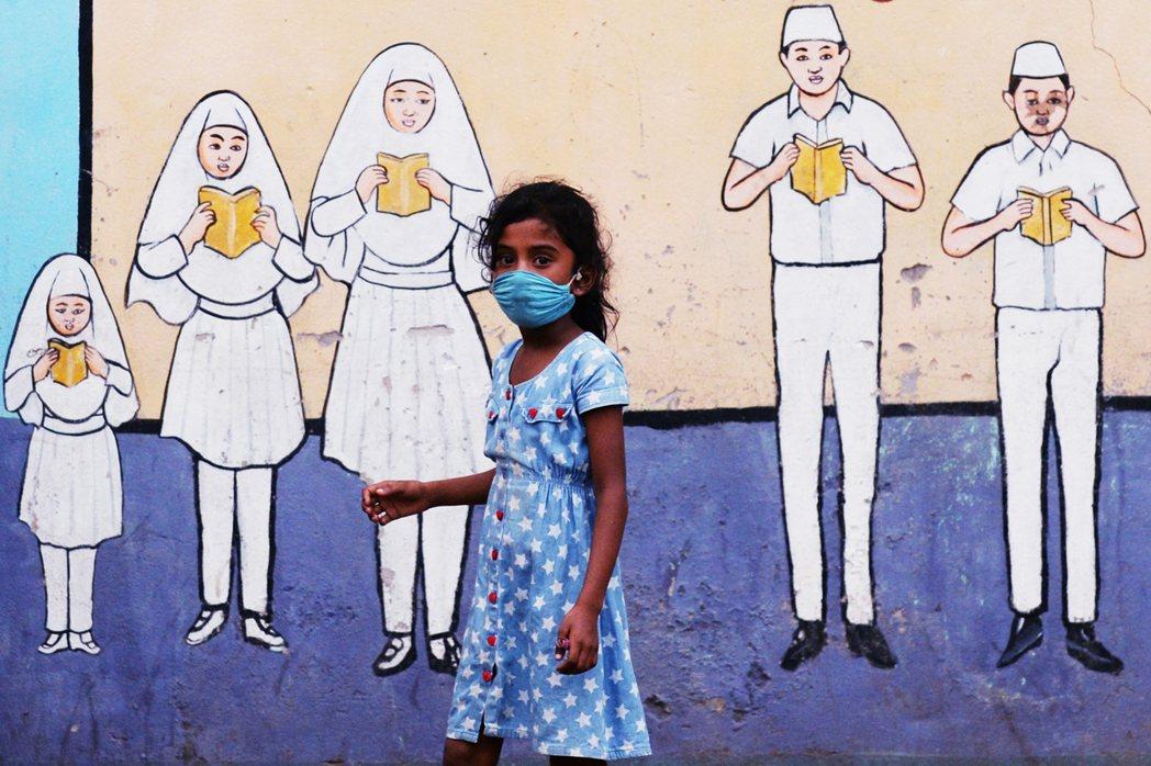 「正在發酵中的斯里蘭卡經濟危機,恐怕會比過去近30年的內戰時期,還要悽慘。」 圖...
