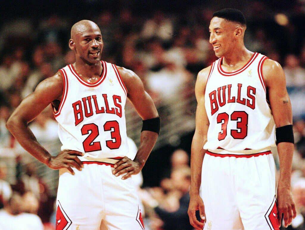 1997年,喬丹與隊友皮朋。 圖/法新社