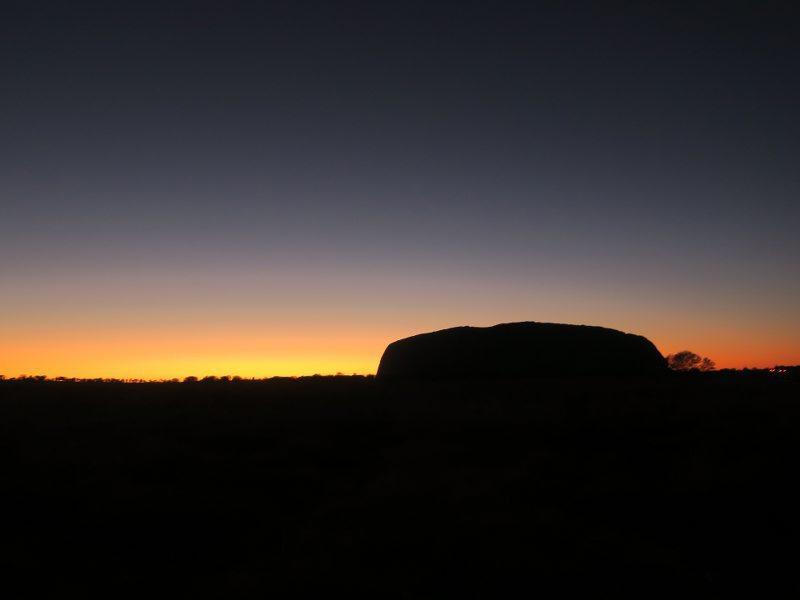烏魯魯(Uluru) 的日出
