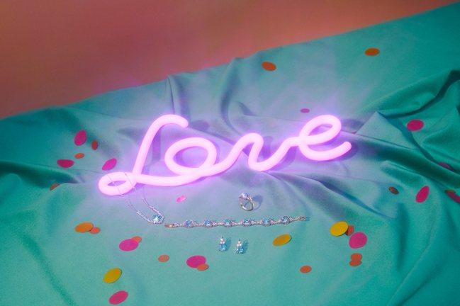 施華洛世奇2020婚禮系列,主推SPARKLING系列珠寶。圖/施華洛世奇提供