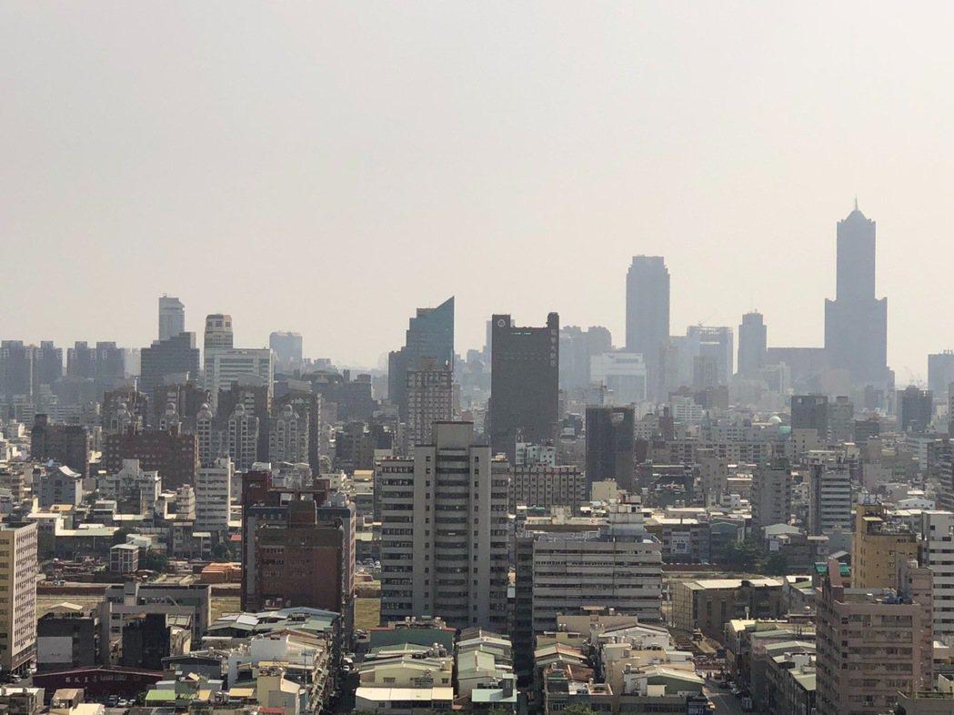 根據內政部調查,全國以嘉義市民成家最輕鬆,至於北台灣則是以基隆買房壓力最小。本報...