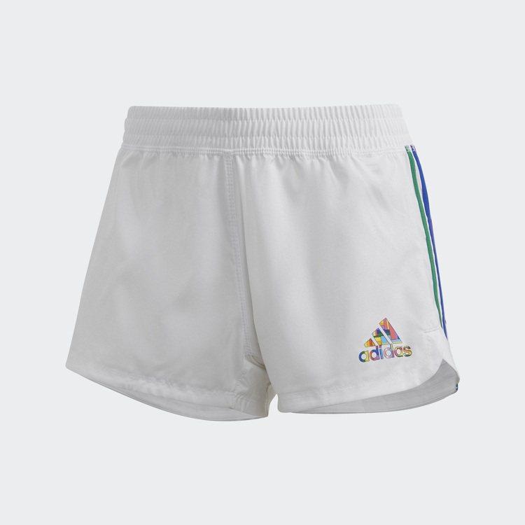 adidas Pride彩虹系列運動短褲990元。圖/adidas提供