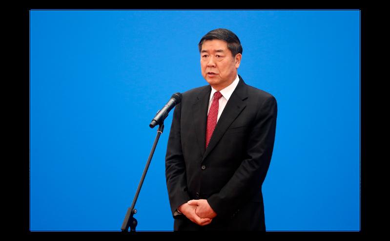 大陸國家發改委主任何立峰22日在「部長通道」透過網路視頻接受媒體採訪。(中新社)