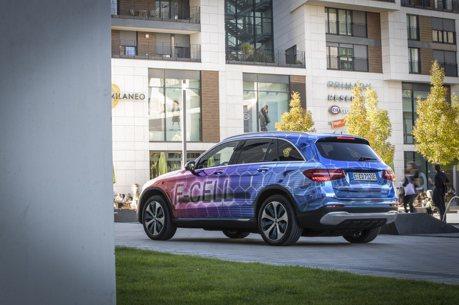 合成燃料能讓燃油車持續存在嗎?Mercedes-Benz表示:電能才是王道