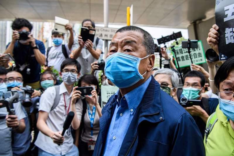 香港壹傳媒集團創辦人黎智英昨天開設推特(Twitter)帳號,連發數文抨擊中共打擊香港的法治和自由,並宣示「我會戰鬥到最後」。 法新社