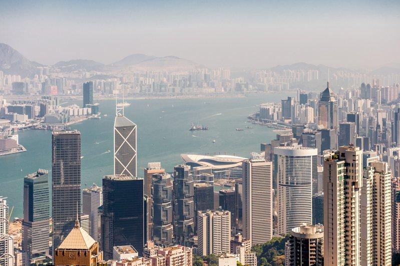 中國政府提出的「港版國安法」,讓世界各國都相當不安,認為此舉將終結香港的法治與自由。圖/ingimage