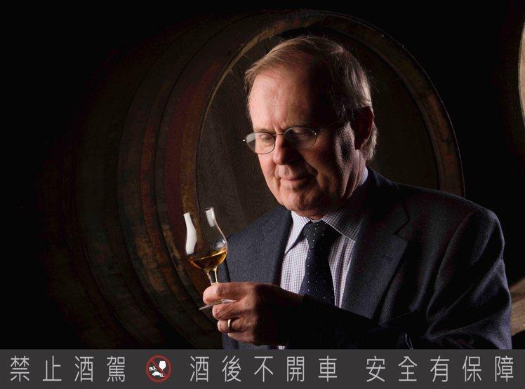 現任百富首席調酒大師─大衛史都華,也是蘇格蘭威士忌產業中從業最久的調酒大師。圖/...
