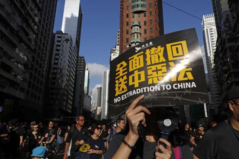大陸人大宣布制訂「香港國安法」,圖為去年香港反送中運動。美聯社
