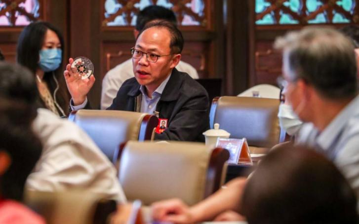 中國工程院院士、北京清大醫學院教授程京表示,大陸車載新冠病毒檢測實驗室6月底問世...