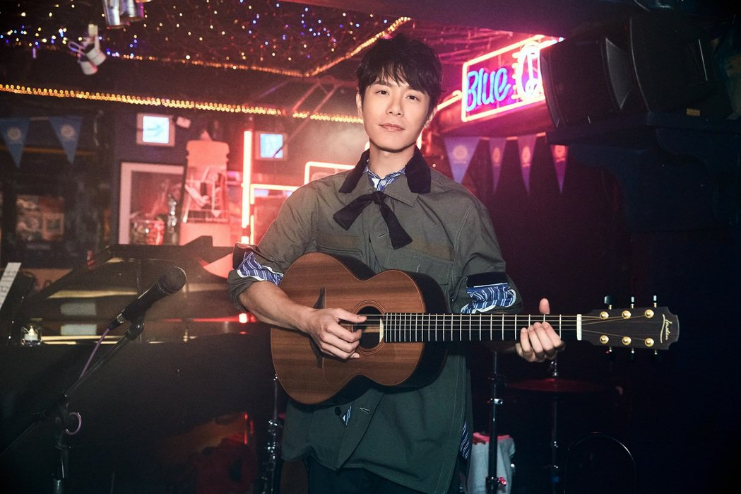韋禮安在新歌「這樣好嗎」MV終於晉升男二,演出當紅歌手。圖/The Orchar