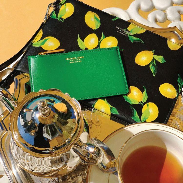 MICHAEL KORS Collection的夏日檸檬系列單品,有著清涼愉快的...