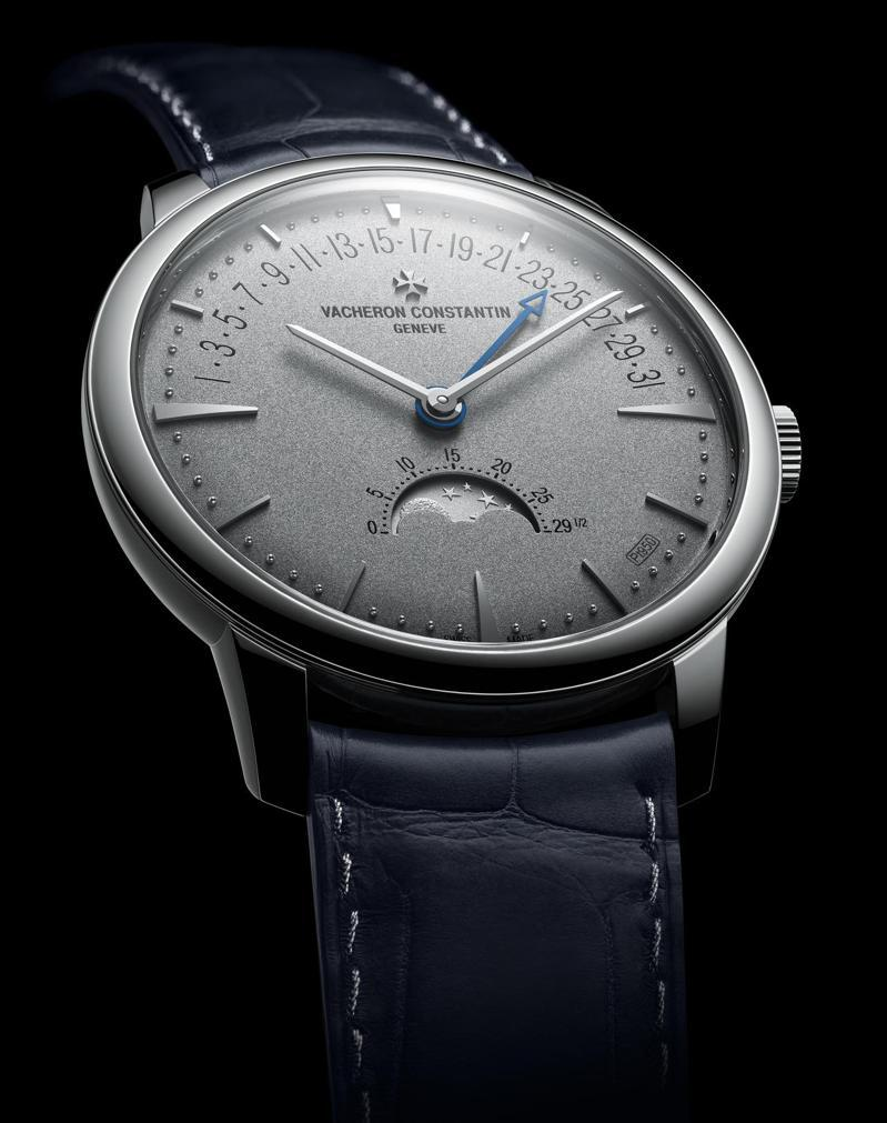 Vacheron Constatin,Patrimony月相和逆跳日曆腕表,鉑金,時間顯示,月相與逆跳日期功能,限量50只,專賣店限定,222萬元。圖 / Vacheron Constatin提供。
