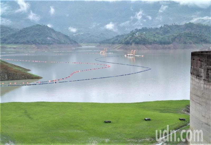 台南山區今天逐漸轉晴,這波梅雨鋒面帶來豐沛雨量,南區水資源局預詁台南曾文水庫進流量可達到7千2百萬立方公尺,南部枯旱已經解決。圖/南區水資源局提供