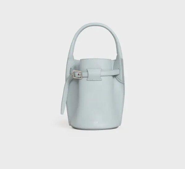 Big Bag Bucket礦石灰柔軟小牛皮袖珍型提包,56,000 元。圖/C...