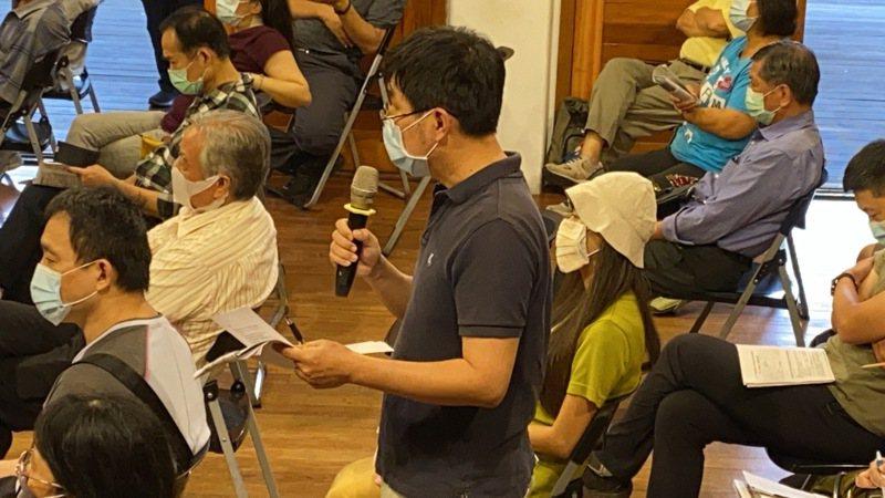 對濕地保育利用計畫草案,宜蘭惜溪聯盟召集人康芳銘表達遺憾與憤怒,他說,這是「多輸」局面,無法約束開發,違反保育濕地的精神與內涵。記者羅建旺/攝影