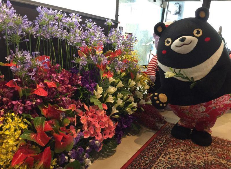 農糧署和高雄市觀光局助花農行銷花卉,一連16天在愛河畔推花卉裝置藝術展。記者楊濡嘉/攝影