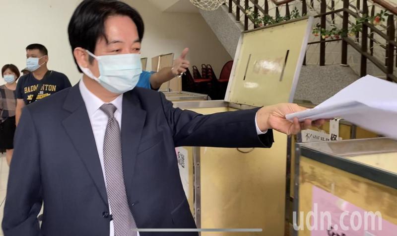 副總統賴清德上午回到台南,參加黨內黨代表選舉投票。記者修瑞瑩/攝影