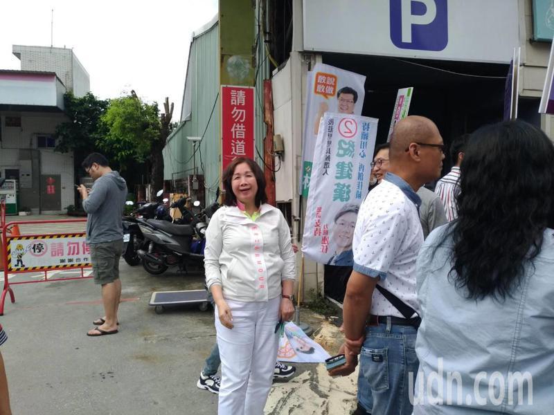 圖說:民進黨北市黨部主委選舉候選人薛凌今天前往士北區投票所投票。記者林麗玉/攝影