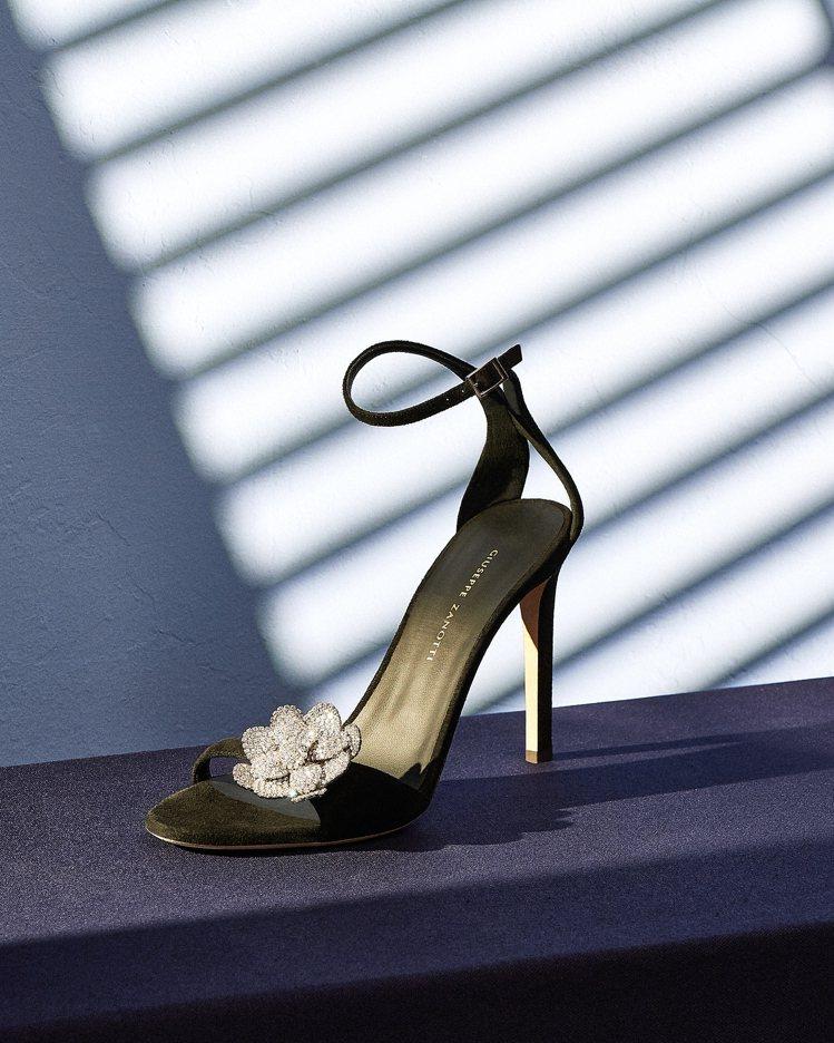 黑色PHOEBE NUIT高跟涼鞋(105mm)。圖/Giuseppe Zano...