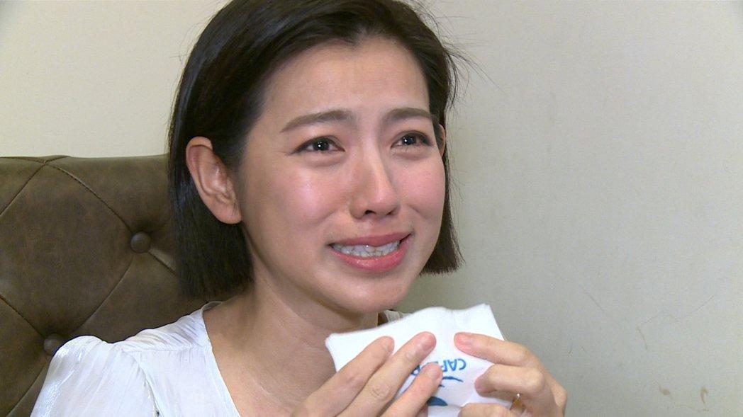 米可白受訪時提到角色與自己的連結,突然感到一陣心疼而爆哭。記者陳沛林/攝影