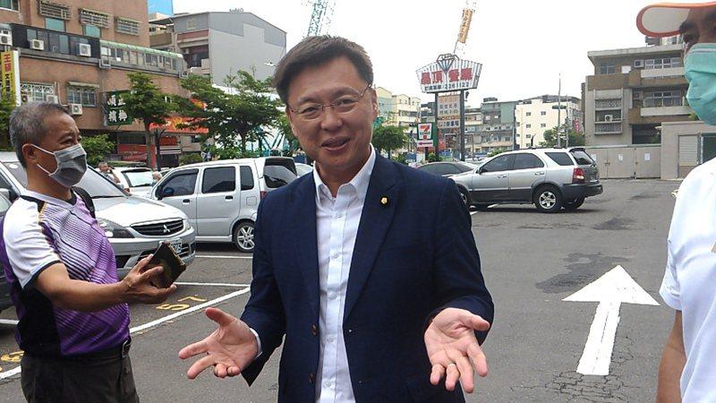民進黨高雄市黨部主委今天改選,立委趙天麟最後拿下近1萬6千票勝出。記者蔡孟妤/攝影