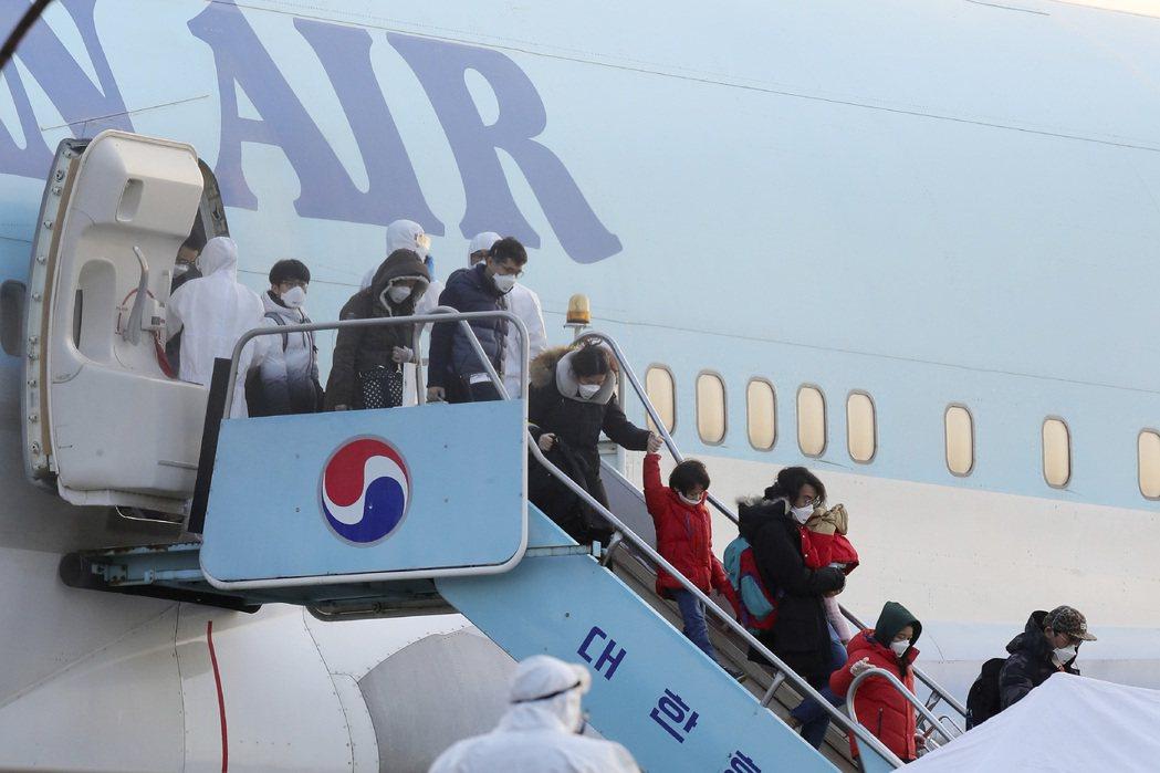 南韓青瓦台副發言人表示,自新冠疫情爆發以來,已有逾30,000名海外公民透過各種...