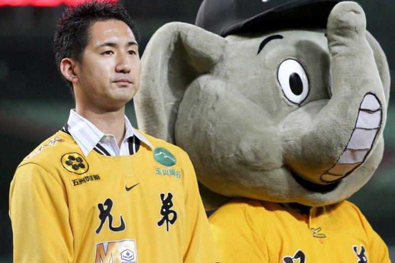 日媒特地找到前兄弟象日本投手小林亮寬請教中職特色。 聯合報系資料照