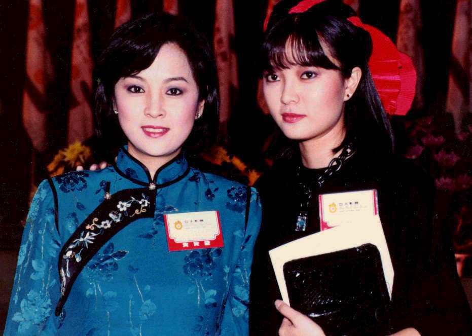 銀霞(右)、甄珍曾是演藝圈玉女姊妹花代表。本報資料照片