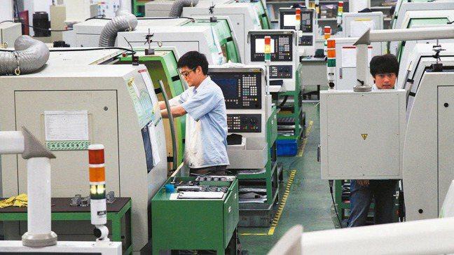 2020年下半年,日、台外銷機械訂單YOY開始進入正成長。 本報系資料庫