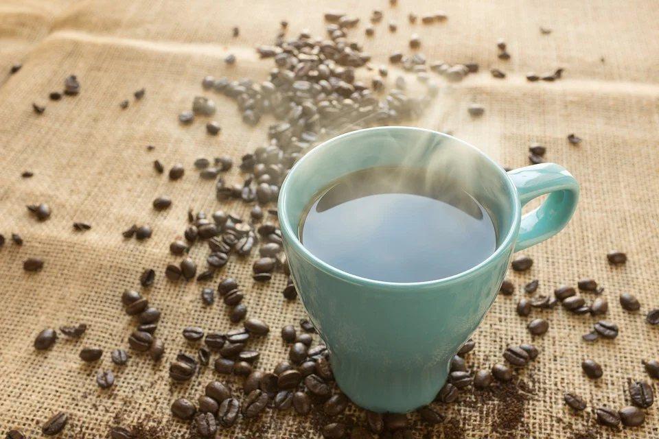 《醫學日報(Medical Daily)》報導,含咖啡因的飲料(例如咖啡)會誘使...