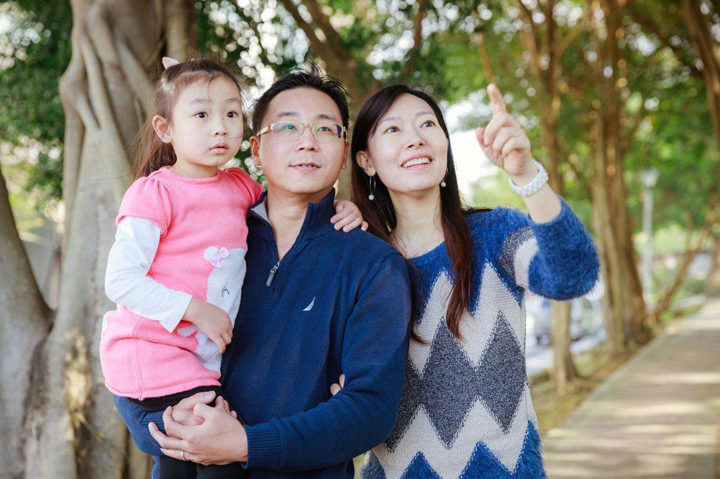 在資訊唾手可得的時代,想當「好父母」,比過去難上許多。 圖/陳軍杉攝影
