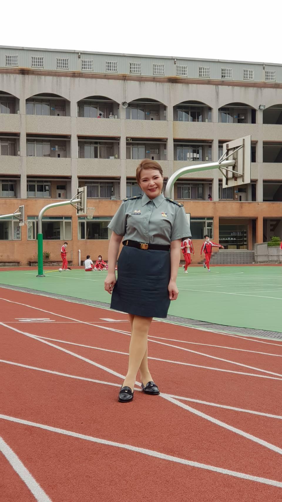 小甜甜在戲中飾演教官。記者杜沛學/攝影