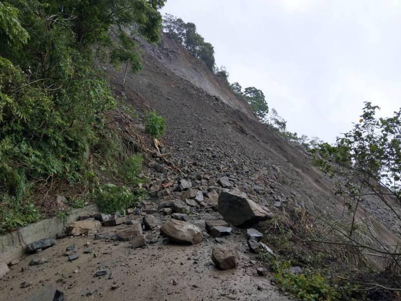 嘉義縣大埔鄉嘉143線4.15公里,因連日大雨,土石大坍方。圖/大埔鄉公所提供
