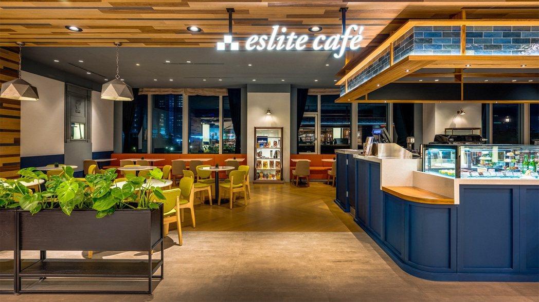 誠品信義店eslite café以嶄新姿態重新登場,凌晨1點前提供蔬食麵包、牛肉...