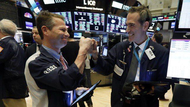 國際經理人投資信心回升,最看好美股。 美聯社