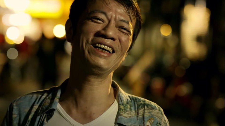 吳朋奉在「浪子回頭」MV演出令人印象深刻。圖/擷自YouTube