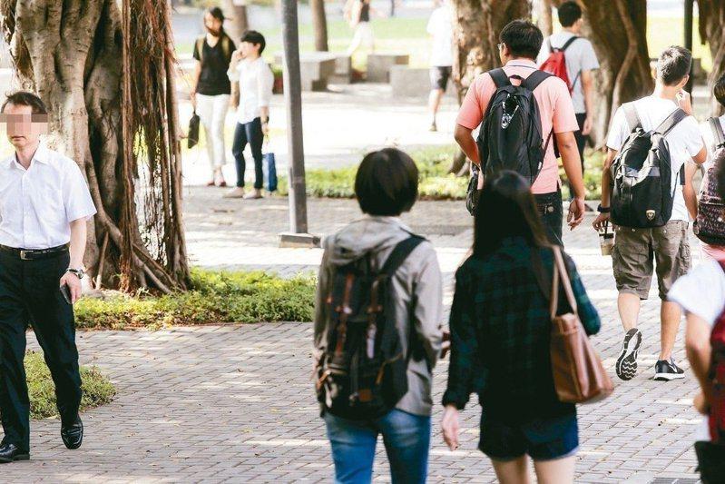 109年大學申請入學日前放榜。 圖/聯合報系資料照片