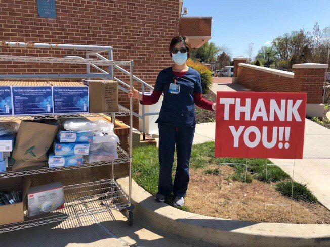 整個4月,她除了在一線工作,就是在幫忙社區協調物資捐贈,華人社區在這次疫情中貢獻...