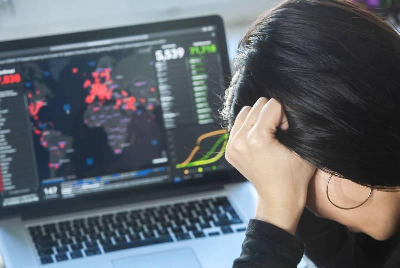 新冠肺炎防疫進入期末考階段,但疫情依舊籠罩全球各地? 圖片來源:Shutterstock