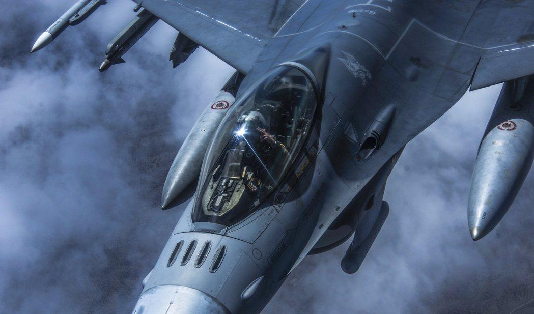 在彼此懷疑30年後,世界的局勢終於正式邁入高速變化的「新冷戰」時代。圖為美國空軍...