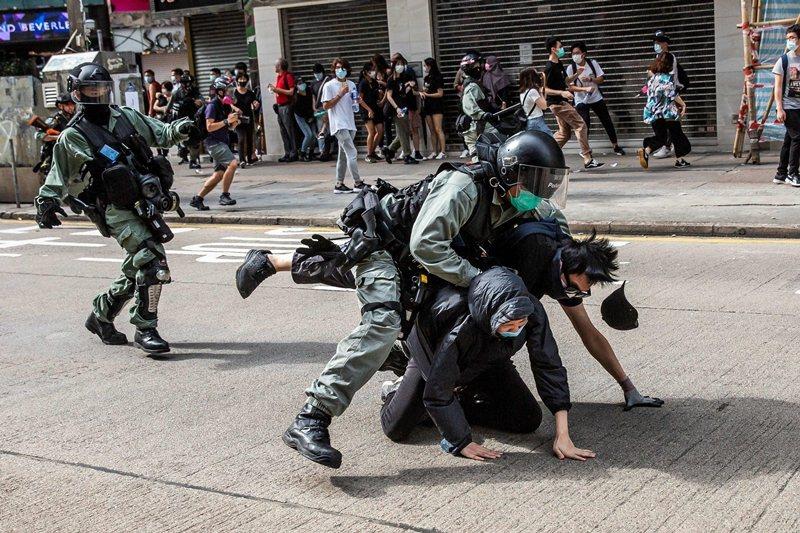 北京擬在香港立「國安法」,激起反送中群眾再次上街抗爭,圖攝於5月24日,香港。 圖/法新社