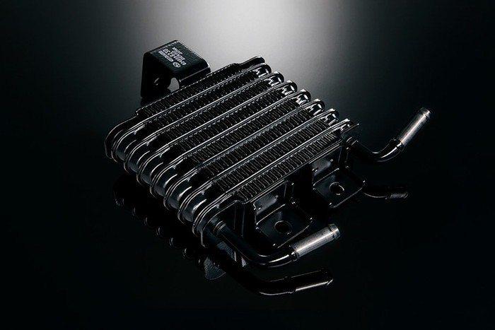 STI Sports#也標配了相當重要的CVT變速箱油冷卻器。 摘自Subaru