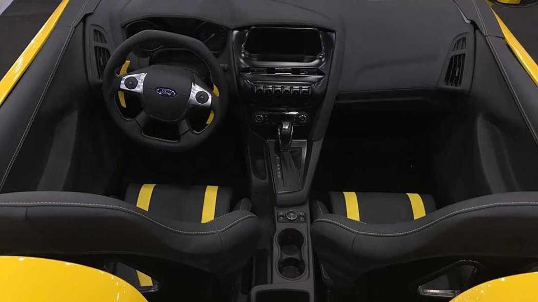 從Focus Speedster的內裝可以知道是由第三代Focus為基礎改造。 ...
