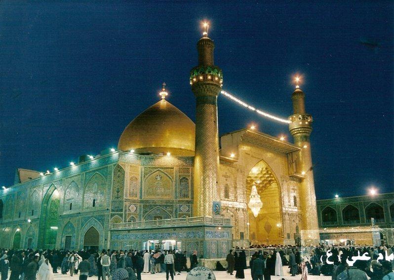 伊朗疫情逐漸減緩,也開始逐步放寬日常生活的規範,允許民眾進入宗教場所禮拜。(Photo on Wikipedia)