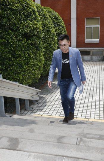 香港面臨「港版國安法」爭議,國民黨主席江啟臣昨要求民進黨以具體修法支持香港。記者...